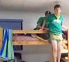 Bungee- Sprung vom Bett