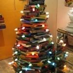 Weihnachtsbaum aus B�chern
